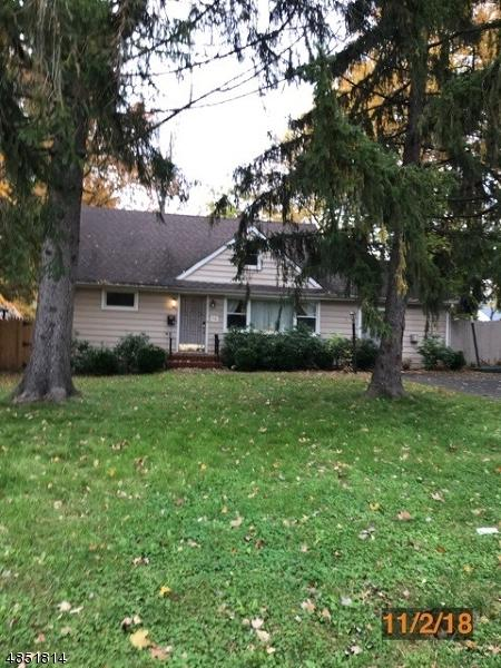 35 Charnwood Rd, New Providence Boro, NJ 07974 (MLS #3515026) :: Coldwell Banker Residential Brokerage