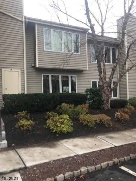 9 Troon Terrace, Clinton Town, NJ 08801 (MLS #3515920) :: Pina Nazario