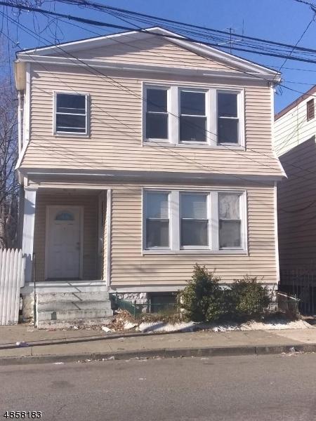 147 Leslie St, Newark City, NJ 07112 (MLS #3520910) :: The Debbie Woerner Team