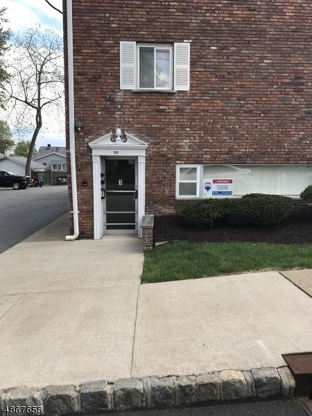 104 N Beverwyck Rd, Parsippany-Troy Hills Twp., NJ 07034 (MLS #3529738) :: Coldwell Banker Residential Brokerage