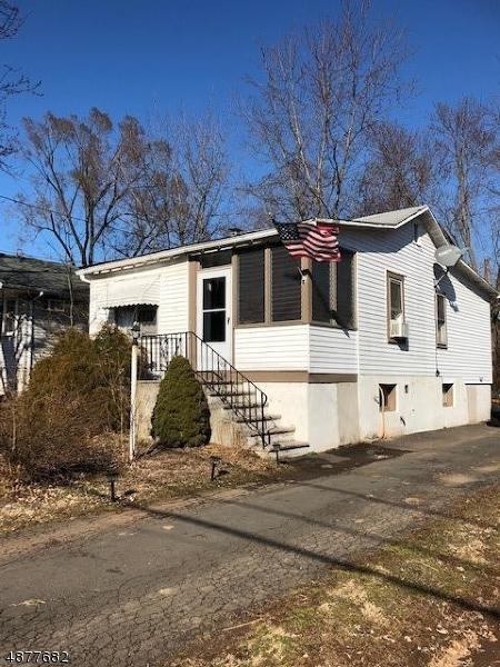 89 Linden St, Bridgewater Twp., NJ 08807 (MLS #3538345) :: The Debbie Woerner Team