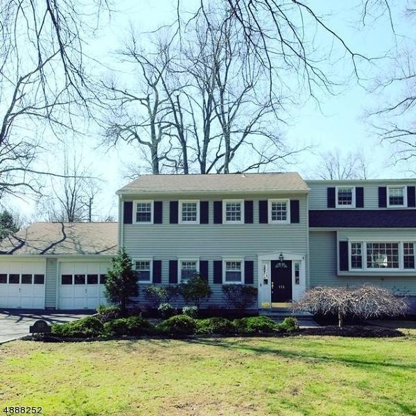 113 Sutton Dr, Berkeley Heights Twp., NJ 07922 (MLS #3548007) :: The Dekanski Home Selling Team