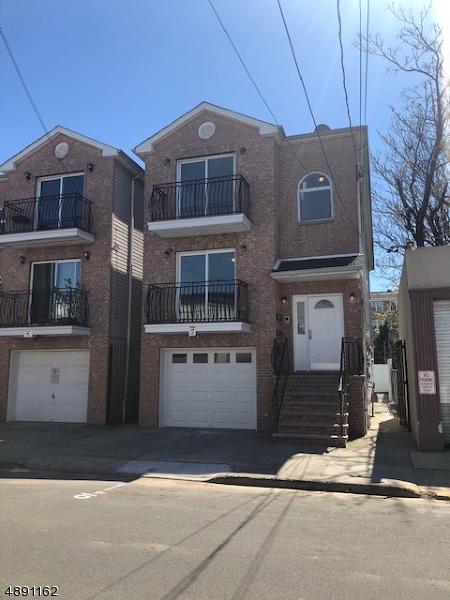 10 Calumet St, Newark City, NJ 07105 (MLS #3550687) :: SR Real Estate Group