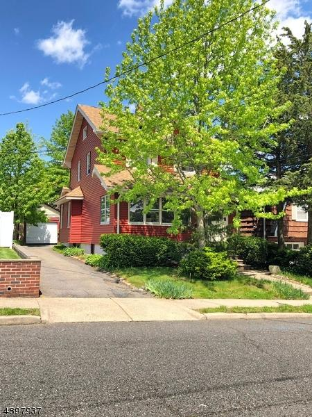 191 Oakwood Ave - Photo 1