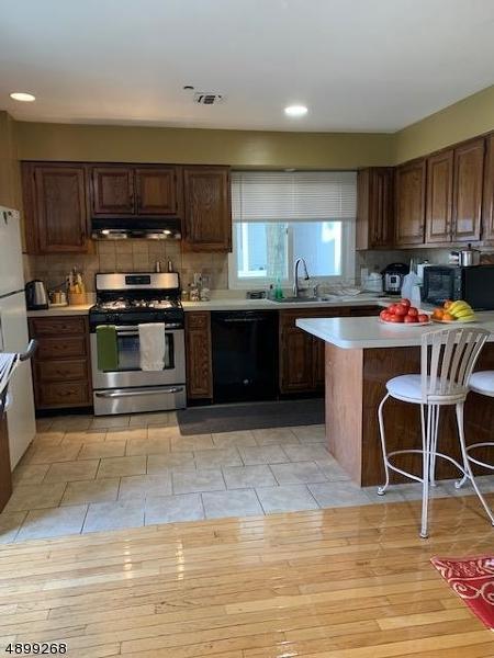 142 Main Ave 2B, Passaic City, NJ 07055 (#3558840) :: NJJoe Group at Keller Williams Park Views Realty