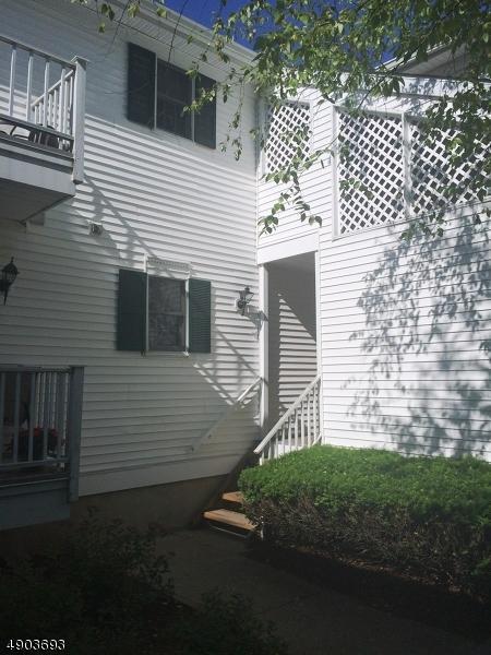 46 Smithfield Ct, Bernards Twp., NJ 07920 (MLS #3562523) :: Coldwell Banker Residential Brokerage