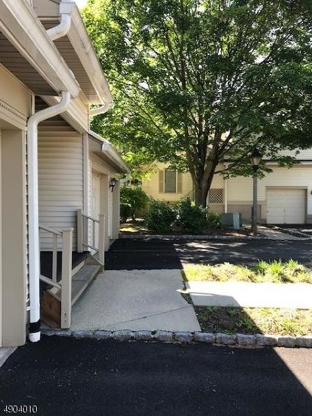 93 Jamestown Rd, Bernards Twp., NJ 07920 (MLS #3562797) :: Coldwell Banker Residential Brokerage