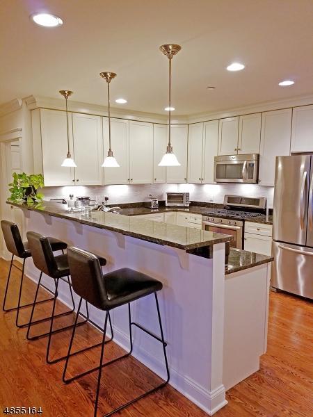25 Ridgedale Ave Unit 10 #10, Madison Boro, NJ 07940 (MLS #3563219) :: Zebaida Group at Keller Williams Realty