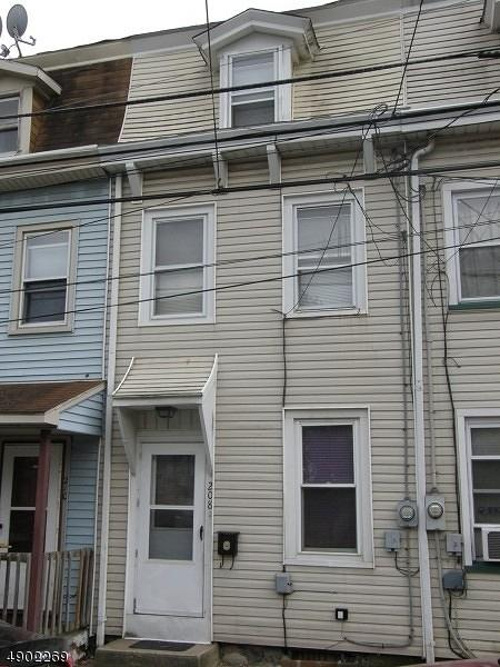 208 Washington St, Phillipsburg Town, NJ 08865 (MLS #3563739) :: SR Real Estate Group