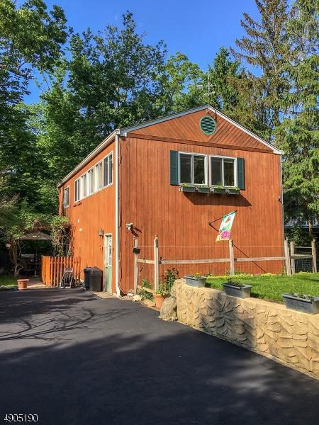 105 Forest Lake Dr, Byram Twp., NJ 07821 (MLS #3564000) :: Weichert Realtors