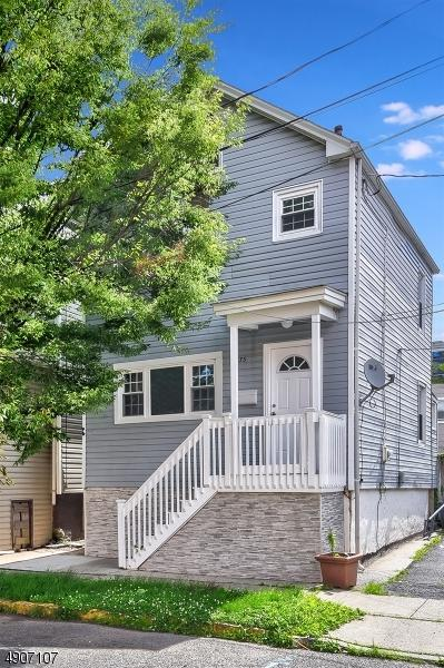 1275 Georgia St, Rahway City, NJ 07065 (MLS #3565838) :: The Dekanski Home Selling Team