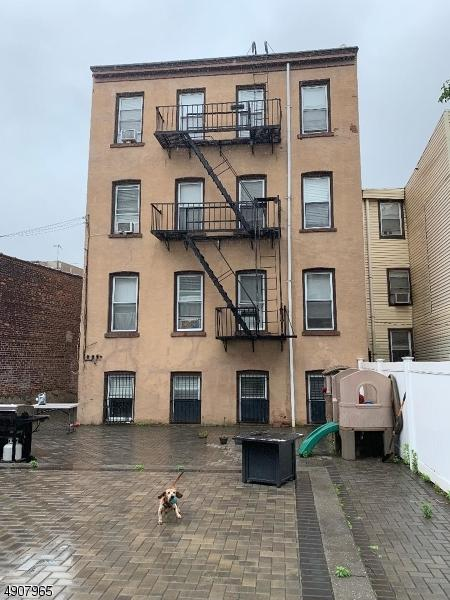 14 Coles St, Jersey City, NJ 07302 (MLS #3566544) :: The Sikora Group