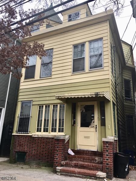 247 Clifton Ave, Newark City, NJ 07104 (MLS #3568590) :: The Dekanski Home Selling Team
