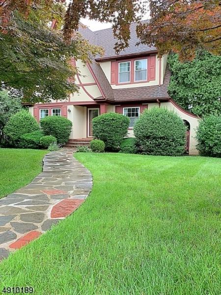 389 Grove St, Montclair Twp., NJ 07043 (MLS #3568627) :: Coldwell Banker Residential Brokerage