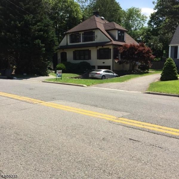 184 N Passaic Ave, Chatham Boro, NJ 07928 (MLS #3569382) :: Weichert Realtors