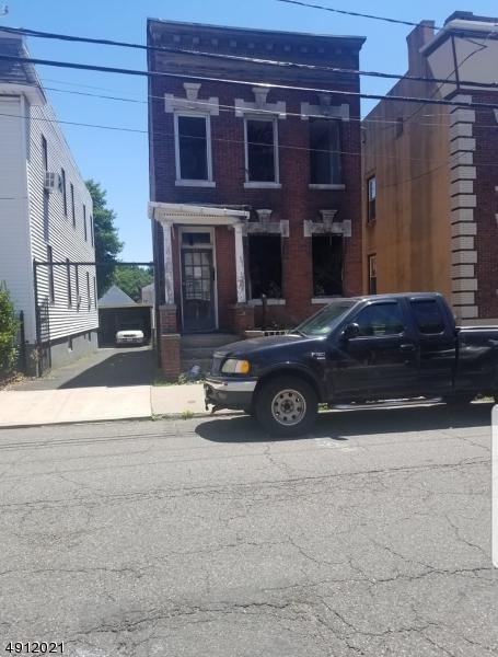 653 North 5 Th St, Newark City, NJ 07107 (MLS #3570394) :: Coldwell Banker Residential Brokerage