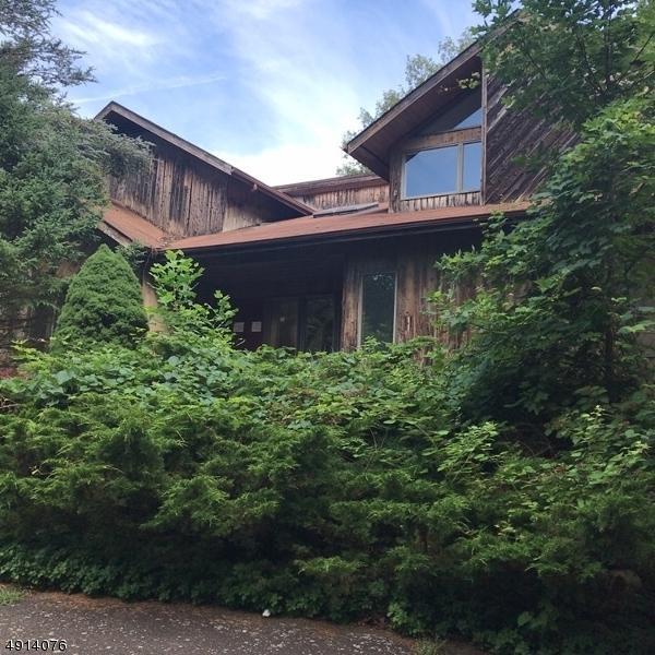 39 Hilltop Rd, Kinnelon Boro, NJ 07405 (MLS #3572227) :: SR Real Estate Group