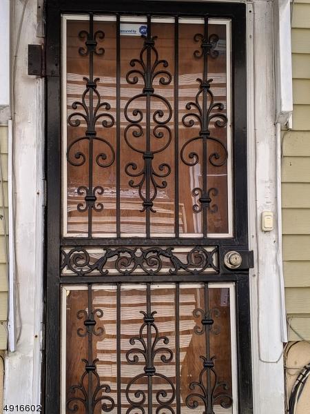 40 Adams St, Irvington Twp., NJ 07111 (MLS #3574613) :: Pina Nazario