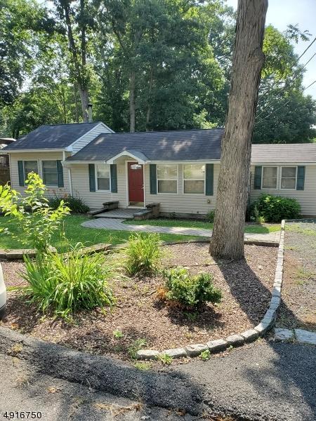 14 Shawnee Pky, Jefferson Twp., NJ 07885 (MLS #3575319) :: Pina Nazario