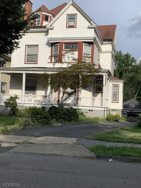 340 N Arlington Ave, East Orange City, NJ 07017 (MLS #3576419) :: The Debbie Woerner Team
