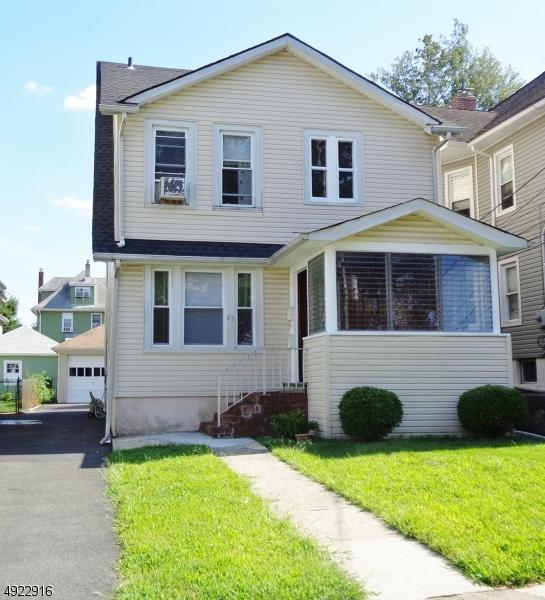 25 De Mott Ave, Clifton City, NJ 07011 (MLS #3580370) :: Pina Nazario