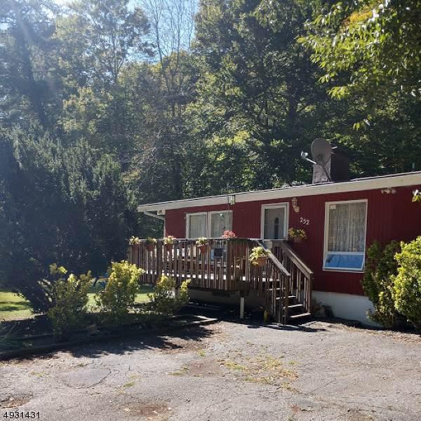 252 Bearfort Rd, West Milford Twp., NJ 07480 (MLS #3589049) :: Coldwell Banker Residential Brokerage