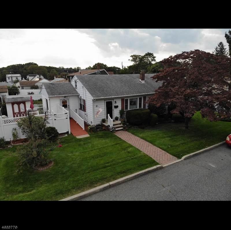 542 Woodland Ave - Photo 1