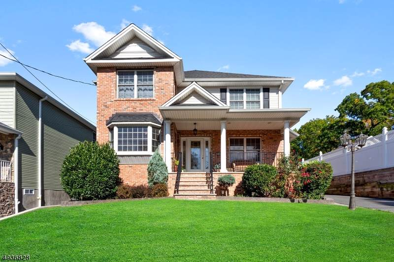 10 Hastings Ave - Photo 1