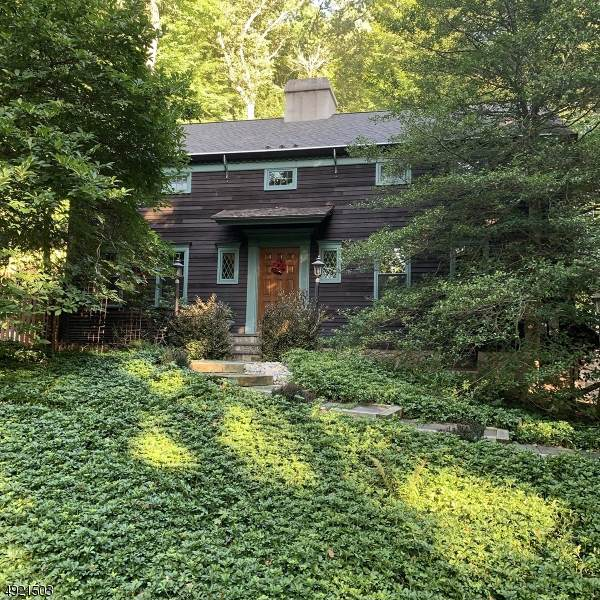 30 Woodland Rd, Mendham Twp., NJ 07960 (MLS #3596411) :: The Douglas Tucker Real Estate Team LLC