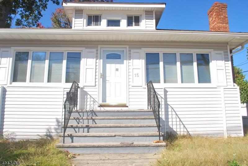 15 Pehle Ave - Photo 1