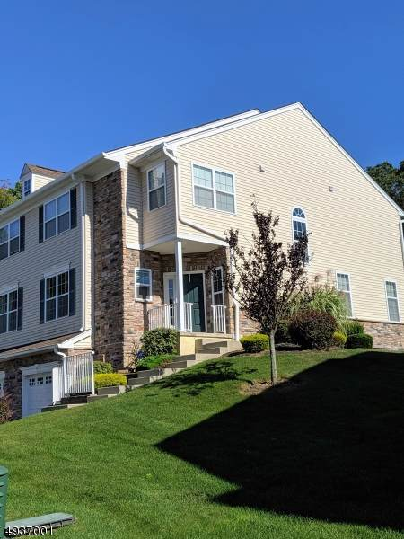 10 Greenwich Court, Mount Olive Twp., NJ 07828 (MLS #3598924) :: Mary K. Sheeran Team