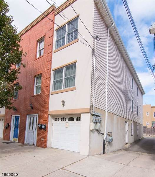 276 Griffith St, Jersey City, NJ 07307 (MLS #3609619) :: The Dekanski Home Selling Team