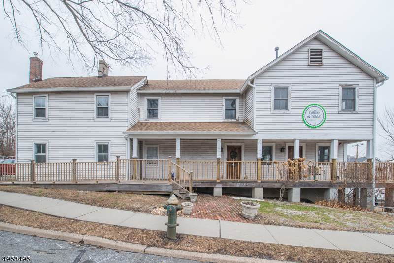 820 Bloomfield Ave - Photo 1