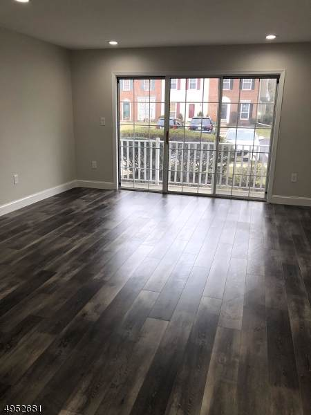 507 Red Crest Ln, Branchburg Twp., NJ 08876 (MLS #3609941) :: Vendrell Home Selling Team