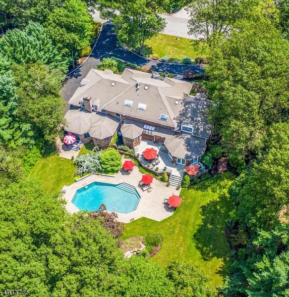 833 Trailing Ridge Rd, Franklin Lakes Boro, NJ 07417 (MLS #3611995) :: The Sue Adler Team
