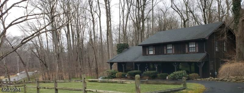 10 Grist Mill Rd - Photo 1