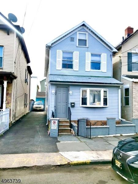 142 Franklin St, Elizabeth City, NJ 07206 (MLS #3617376) :: The Dekanski Home Selling Team
