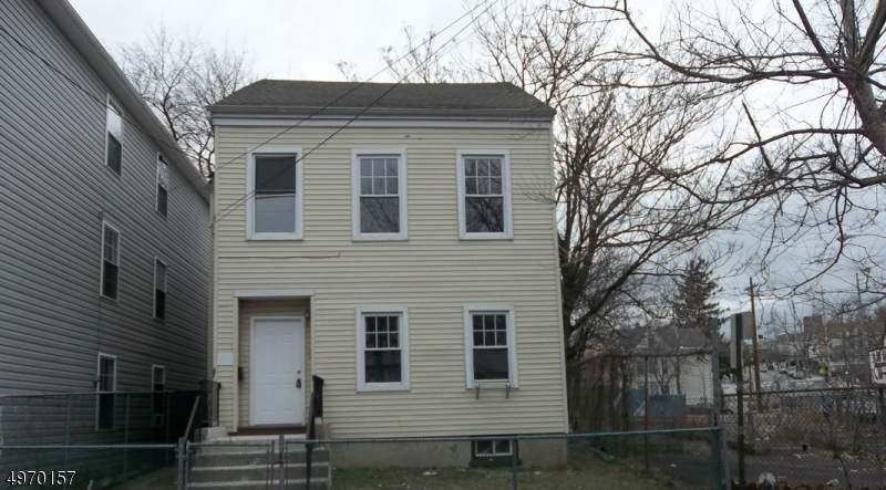 123 N Main St - Photo 1
