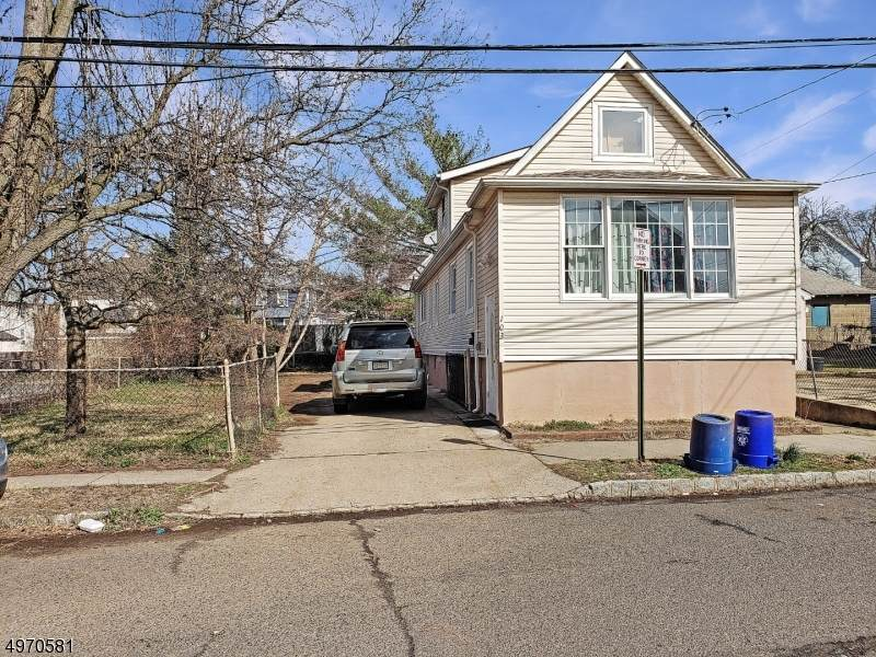 103 Linden Ave - Photo 1