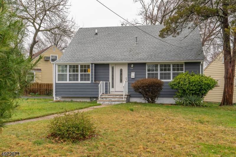 735 Franklin Ter - Photo 1