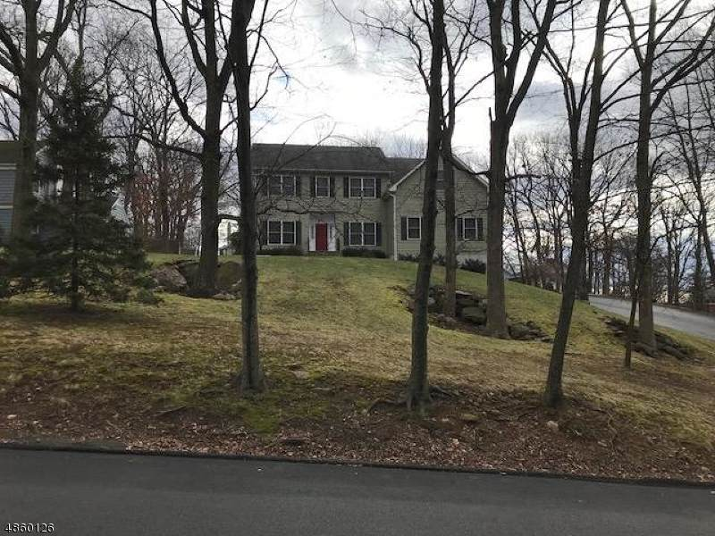 301 Hillside Ave - Photo 1