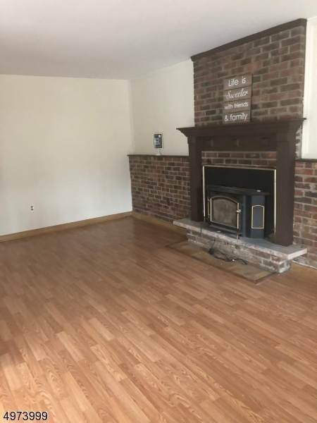 126 Brendona Ave, Hopatcong Boro, NJ 07874 (#3626352) :: Daunno Realty Services, LLC