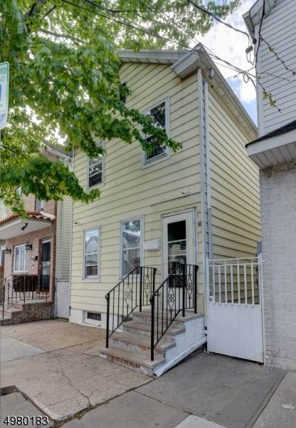 80 Marne St, Newark City, NJ 07105 (MLS #3631678) :: The Sikora Group