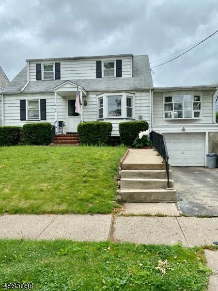 2166 Whittier St, Rahway City, NJ 07065 (MLS #3636000) :: The Dekanski Home Selling Team