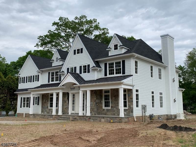 78 Cathedral Ave - Photo 1