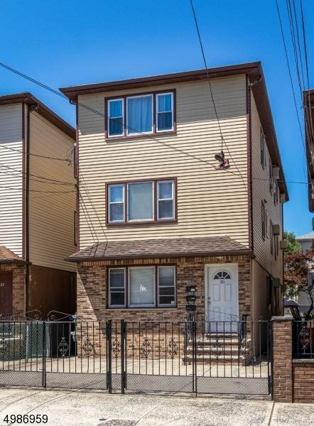 35 Mott St, Newark City, NJ 07105 (MLS #3639947) :: The Dekanski Home Selling Team
