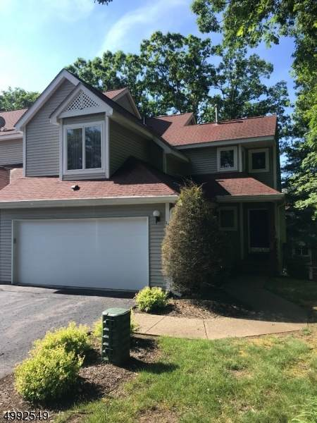 15 Heritage Ct, Jefferson Twp., NJ 07438 (MLS #3642569) :: The Dekanski Home Selling Team