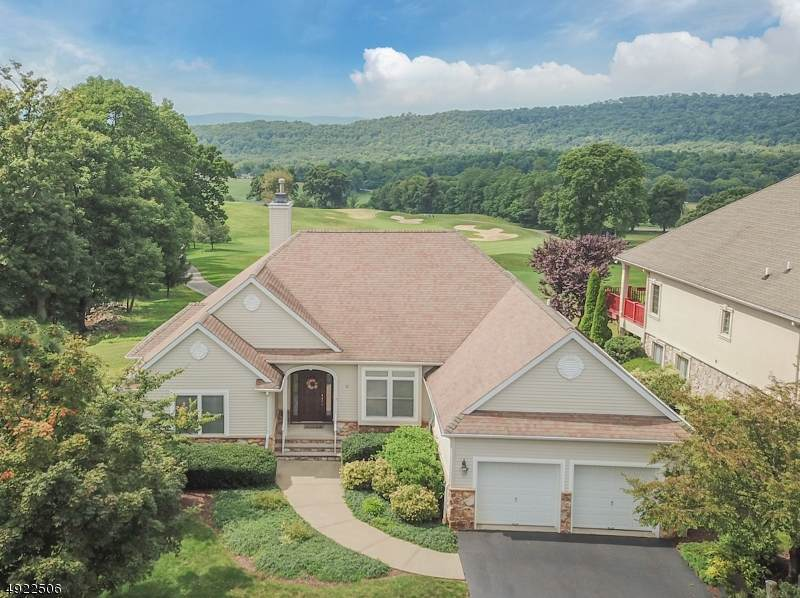 21 Country Ln - Photo 1