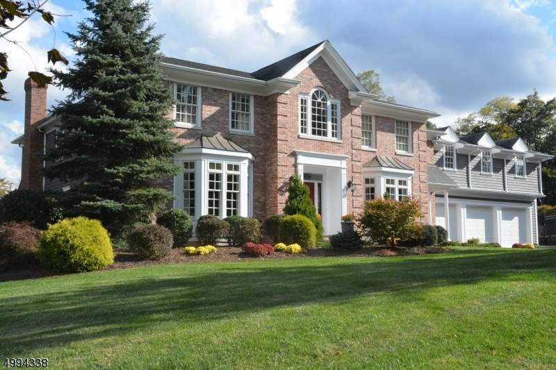 1 Sycamore Dr - Photo 1