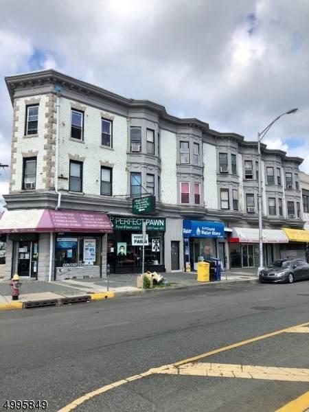 733 Main Ave - Photo 1